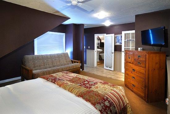 Purple Mountain Lodge Bed & Breakfast and Day Spa: Purple Mtn Whetstoneroom