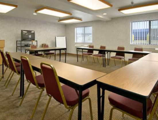Super 8 Morgantown: Meeting Room