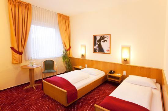 Comfort Hotel Wiesbaden Ost: Twin Room