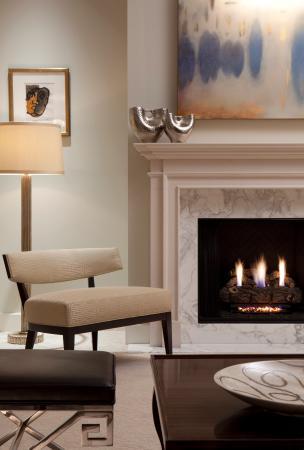 Mandarin Oriental, Atlanta: Presidential Suite Fireplace