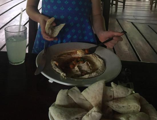 Pita Bonita: Hummus