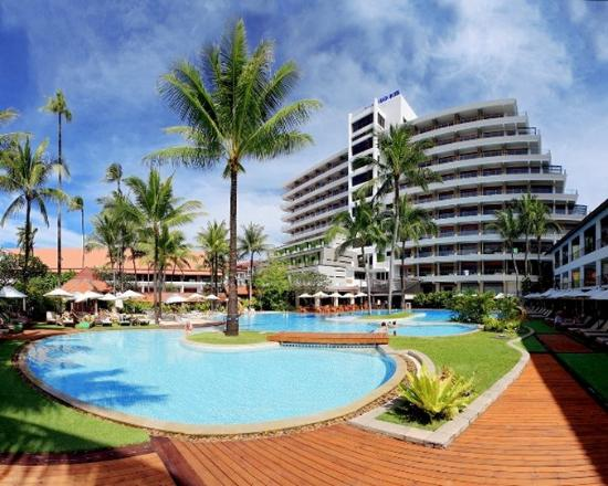 Patong Beach Hotel : Swimming Pool
