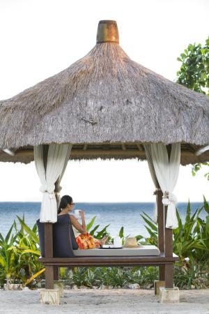 Pool Villa Club Senggigi Beach Lombok : seaside gazebo