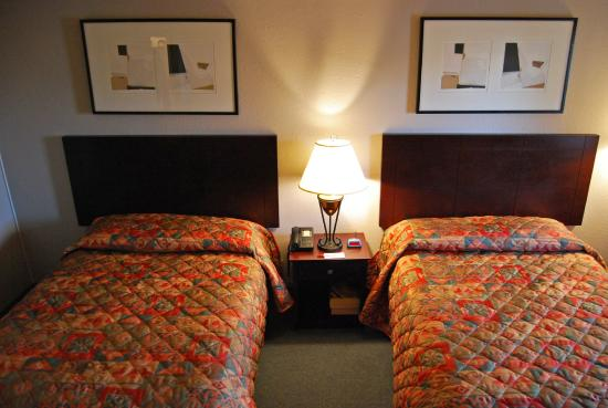 Days Inn Denver Downtown: Two Doubles Bed