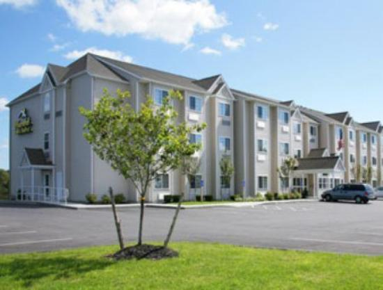 Microtel Inn & Suites by Wyndham Johnstown: Exterior