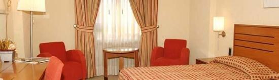 Marques De Pombal Hotel: Room