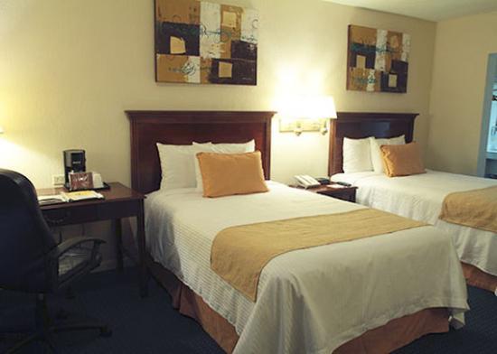 Quality Inn Piedras Negras: Double Room