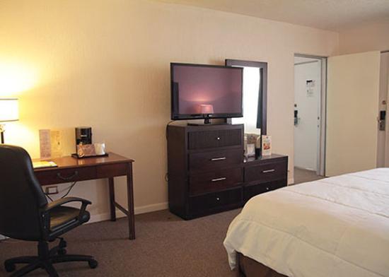 Quality Inn Piedras Negras: Room