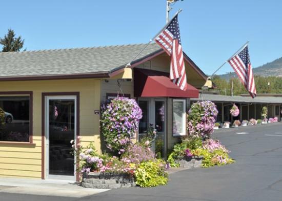 rodeway inn medford or jun 2016 motel reviews. Black Bedroom Furniture Sets. Home Design Ideas