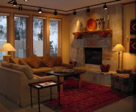 Sun Vail: Living Room