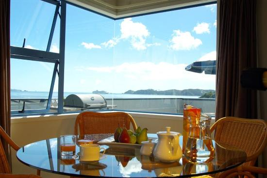 Blue Pacific Apartments Paihia: Dining area