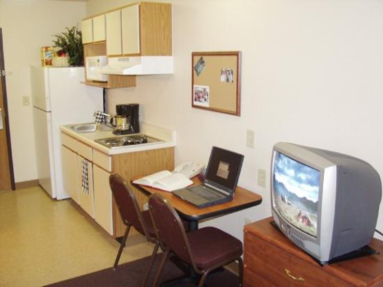 Value Place Fort Myers (Central): Kitchen Computer