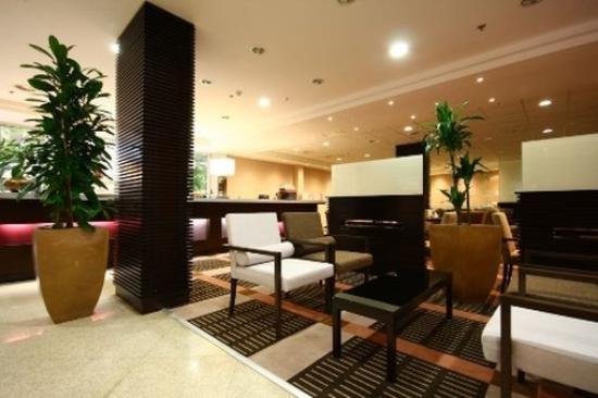 Lion's Garden Hotel: Lobby