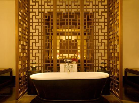 Aman Summer Palace: Courtyard 1 Suite Bathroom