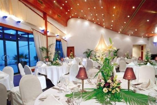 Le Meridien Mina Seyahi Beach Resort and Marina: Meeting Room
