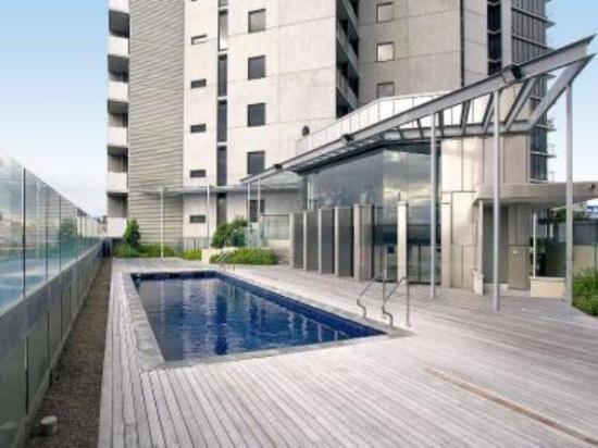 docklands new quay picture of apartments melbourne. Black Bedroom Furniture Sets. Home Design Ideas