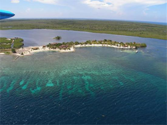 Photo of Laguna Beach Resort Utila