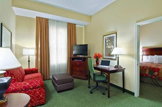 Homewood Suites Tampa Airport - Westshore: Suite