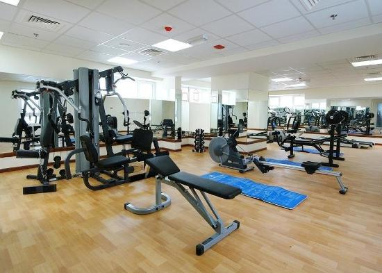 Golden Square Suites: Gym
