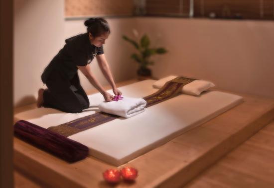 Cristal Hotel Abu Dhabi: Cristal Spa Treatment Room