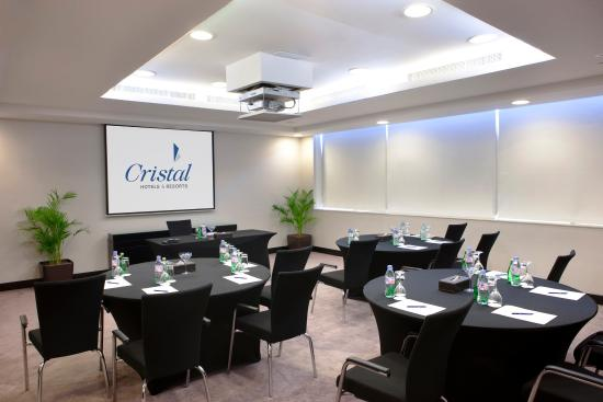 Cristal Hotel Abu Dhabi: Meeting Room