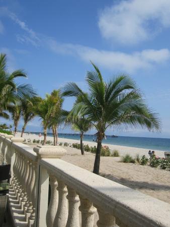 Sea Lord Hotel & Suites: Beautiful Beach Access