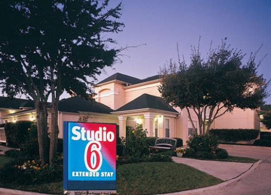 Studio 6 Orlando - Kissimmee: Exterior