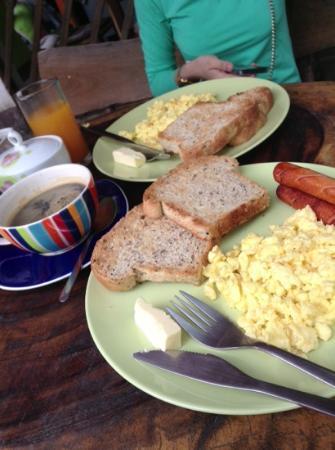 Nan Guest House: breakfast time