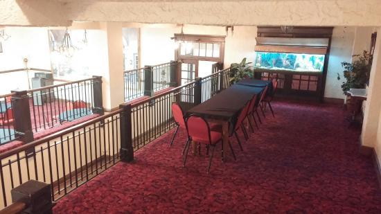 Monte Villa Inn: Beautiful dining area and cafe