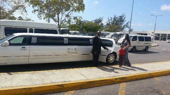 Jamaica Exquisite - Day Tours : A family of 3 in limo airport trasfer