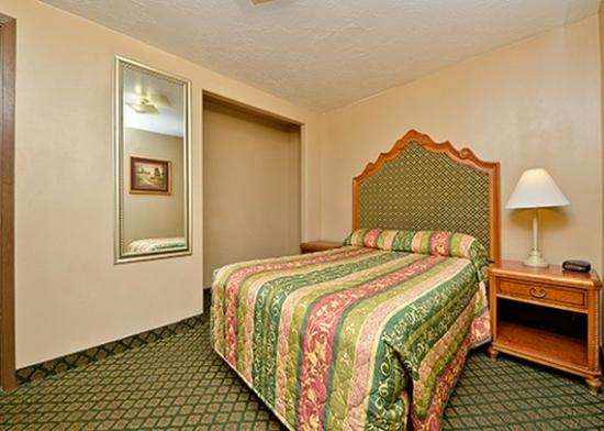 Photo of Rodeway Inn & Suites Riverton