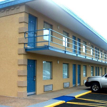 Inn Towne Lodge : Recent Motel