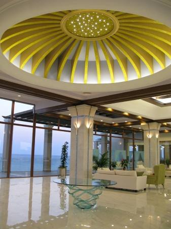 Atrium Prestige Thalasso Spa Resort and Villas: Lobby Area