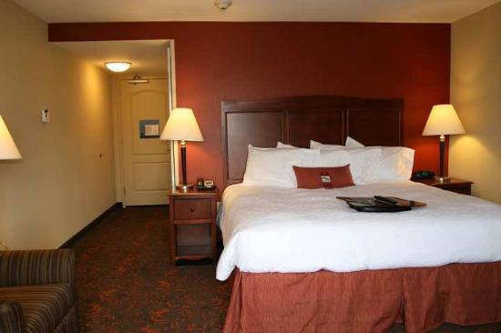 Hampton Inn & Suites Exmore - Eastern Shore: Guest Room