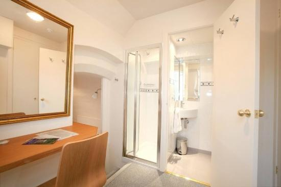 Lincoln House Hotel: bathroom