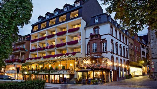 Hotel Karl Müller: Exterior View