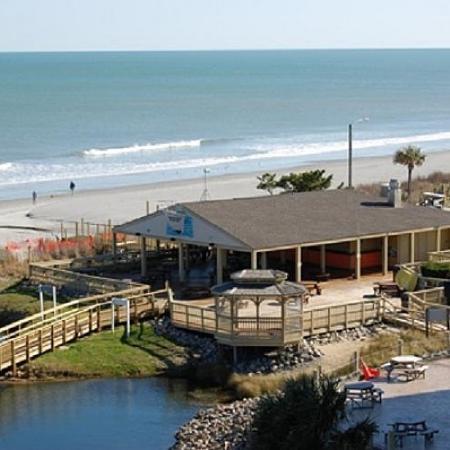 Myrtle Beach Resort: Quarterdeck Beachfront Bar & Grill