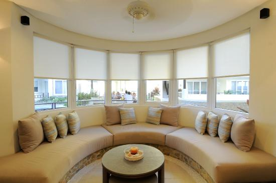 7Stones Boracay Suites: Living