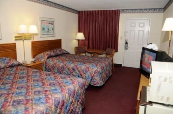 Sunset Inn: ROOM