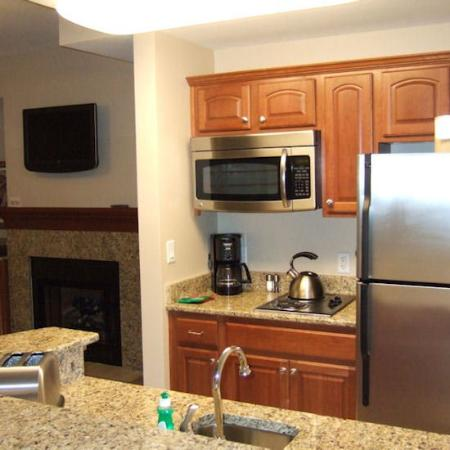 Carillon Beach Resort Inn: Kitchen