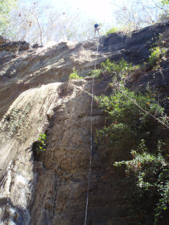 Aracne Rappelling Day Tours : Rappelling
