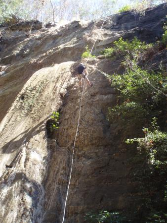 Aracne Rappelling Day Tours: Rappelling
