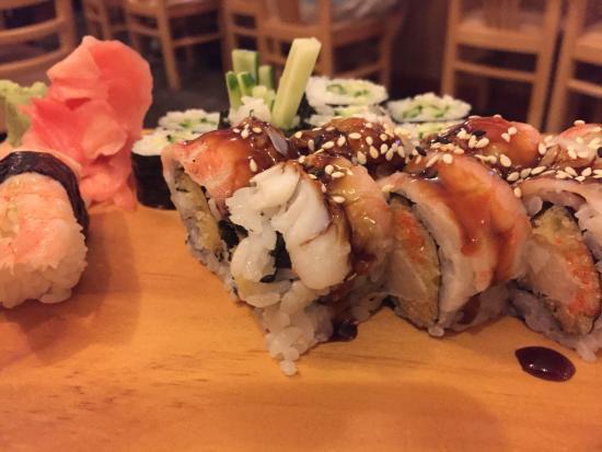 Shi Ki: Shrimp/Ebi Nigiri, Cucumber roll, Super Crunch Roll (AMAZING!!!)