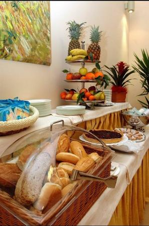 Le Cheminee Business Hotel : Buffet Breakfast
