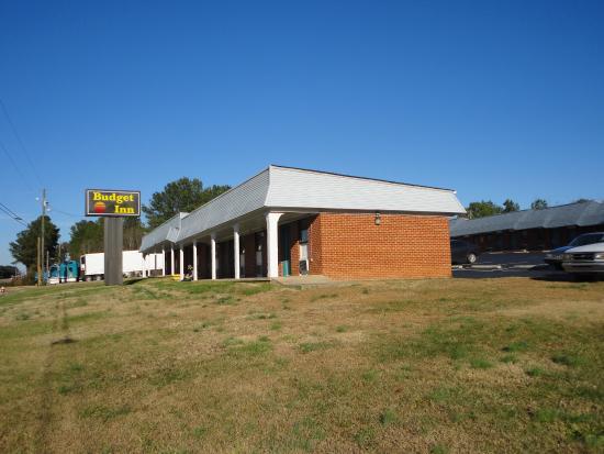 Franklinton, NC: Exterior Signage