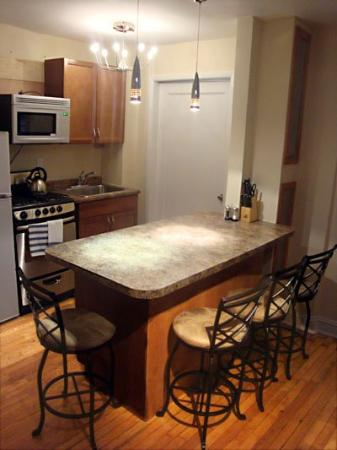 Brooklyn Suites: Downtown Suite kitchen