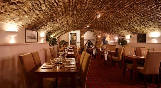 The Bear Hotel: Bear Hotel - Cellars Restaurant