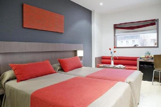 M.A Hotel Puerta de los Aljibes: Guest Room