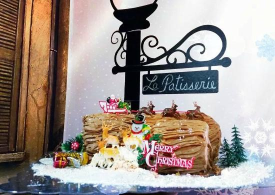Christmas Yule Log Cake.Our Special Christmas Yule Log Cake Picture Of La