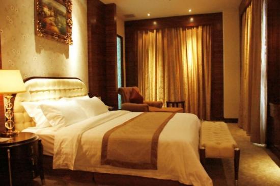 Fashion Lotus Hotel: Room